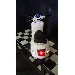 Vespa GTS ELEKTRISCHE kinderscooter wit 12 volt