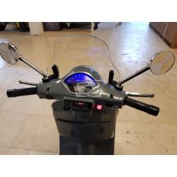 Vespa GTS ELEKTRISCHE kinderscooter GRIJS 12 volt