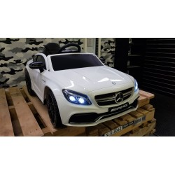 ELEKTRISCHE KINDERAUTO MERCEDES C63 S COUPE AMG 2.4G RC 12V WIT