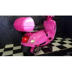 Vespa GTS ELEKTRISCHE kinderscooter ROZE 12 volt