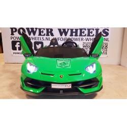 LAMBORGHINI AVENTADOR SVJ 12v 2.4g 2 persoons elektrische kinderauto metallic groen