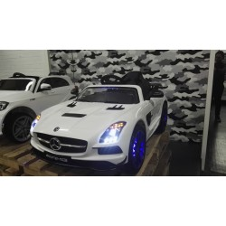 Mercedes Benz SLS wit 12 volt 2.4G RC MP4 TV
